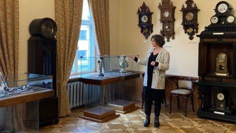 """Žinomi Lietuvos kūrėjai apžvelgia muziejaus eksponatus – naujas projektas """"30 kūrinių, 30 kūrėjų, 30 savaičių"""""""