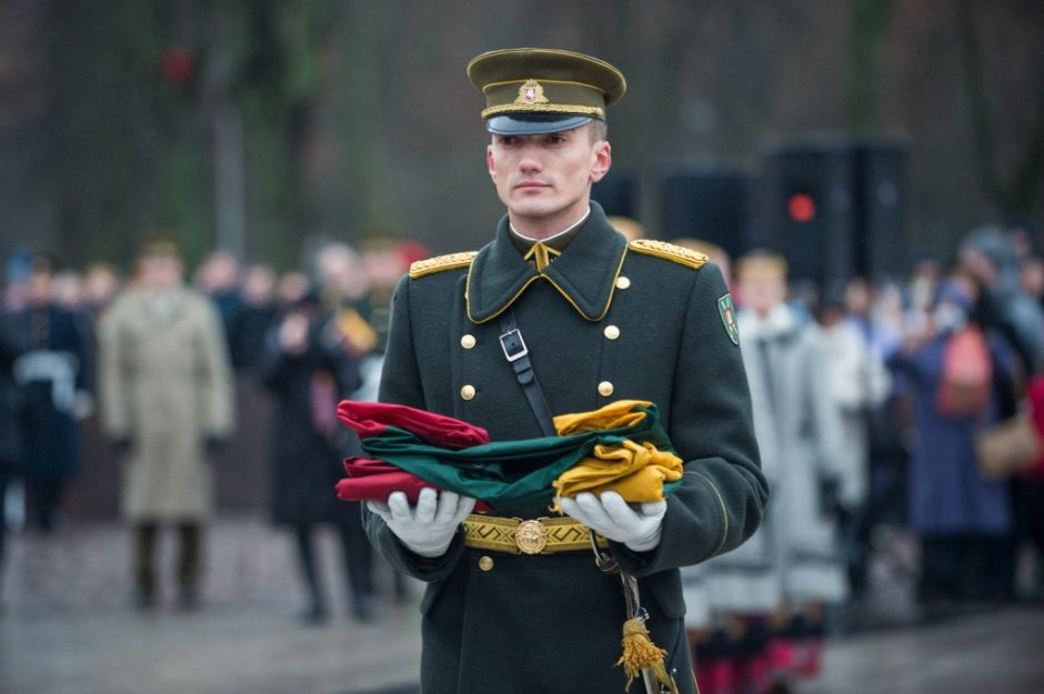 2020 metų Gedimino pilies bokšto vėliava bus perduota saugoti Garliavos Juozo Lukšos gimnazijai