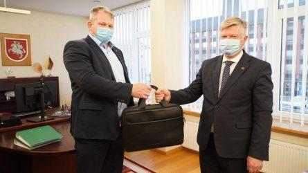 Žemės ūkio ministro įgaliojimus perėmė Kęstutis Navickas