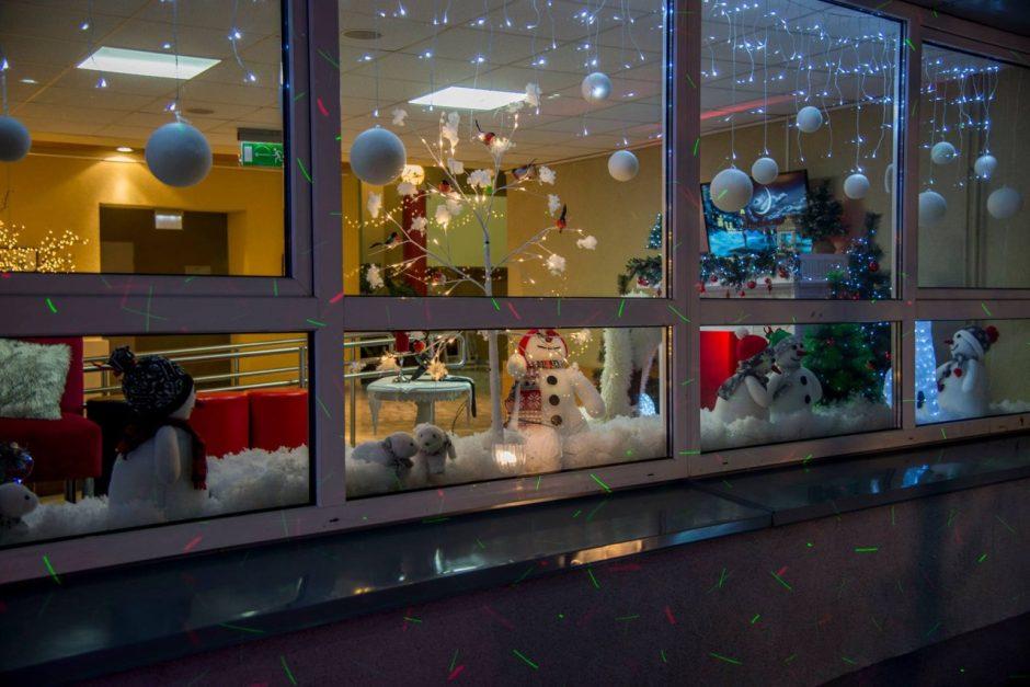 Įžiebus šventinę eglutę sukurkime  kalėdinę nuotaiką ir savo širdyse!