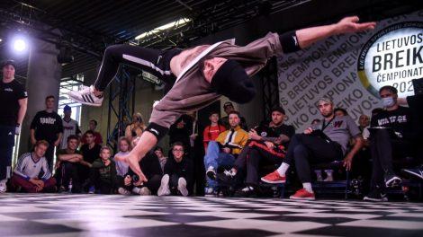 Breikas – sportas, kuriame kuriami minutės trukmės meno kūriniai