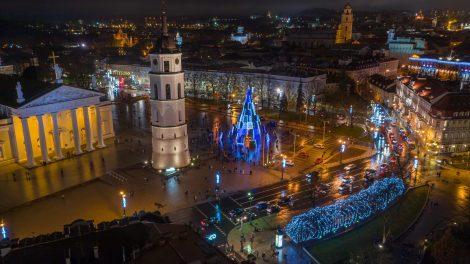 Nuotolinės Kalėdos: Vilniaus eglė keliasi į internetą ir TV ekraną