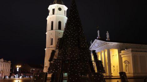 Vilnius pritilo ir išjungė dekoracijas – pagerbiamos Covid-19 aukos