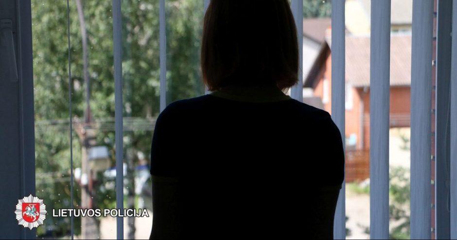 Pelnas iš užsienietės prostitucijos sutuoktiniams virto solidžiomis baudomis