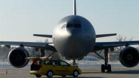 Pandemijos efektas: neskrendantiems lėktuvams Šiaulių oro uostas išnuomojo visas stovėjimo aikšteles ir uždirbo pelno