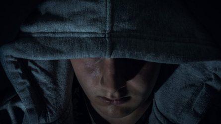 Nuo pareigūnų užsienyje slapstęsis telšiškis dėl vagysčių ir kitų nusikaltimų stos prieš teismą