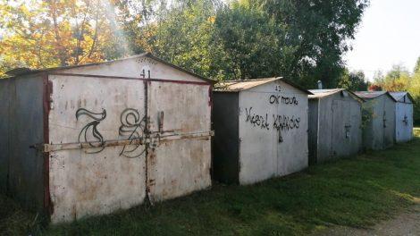 Savivaldybės vadovai kreipėsi į NŽT dėl tolerancijos termino metalinių garažų savininkams