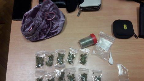 Kaune sulaikyti 8 asmenys, ir platinę, ir pirkę narkotines medžiagas