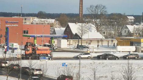 Žiema keliuose – darbas kelininkams, iššūkiai vairuotojams