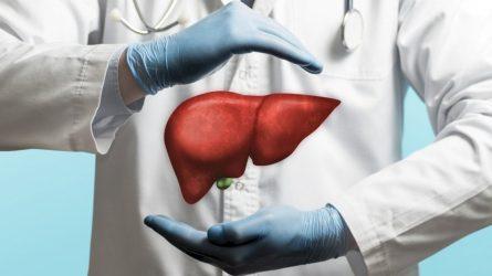 Donoro kepenų sulaukusiam pacientui palaikymą siunčia prieš metus jo likimą išgyvenę vyrai