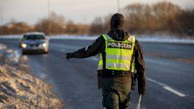 Savaitgalį Klaipėdos kelių policijos pareigūnai didelį dėmesį skyrė neblaiviems vairuotojams išaiškinti ir automobilių padangų būklei įvertinti
