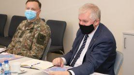 Su krašto apsaugos ministru aptarti svarbiausi bendri projektai