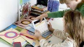 Dėl nuotolinio mokymo sunkumų patiriantiems mokiniams – 7,5 mln. eurų vertės pagalba