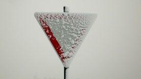 Žiemiškų orų išbandymas eismo dalyviams. Patarimai vairuotojams.