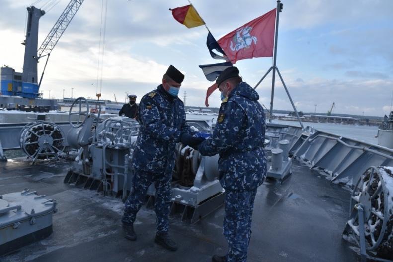 Misija baigta – vadovavimą NATO laivų grupei Lietuva perdavė Nyderlandams