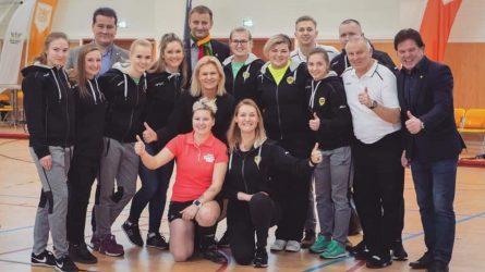"""""""Ginstrektės"""" komandai – metų moterų komandos titulas"""