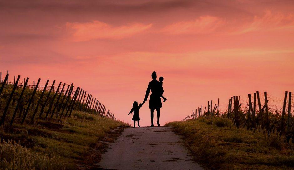 Kaip padėti vaikams išgyventi tėvų skyrybas?