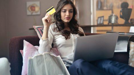 Moterys atvirauja, kokiems apsipirkimo sprendimams yra linkusios teikti pirmenybę