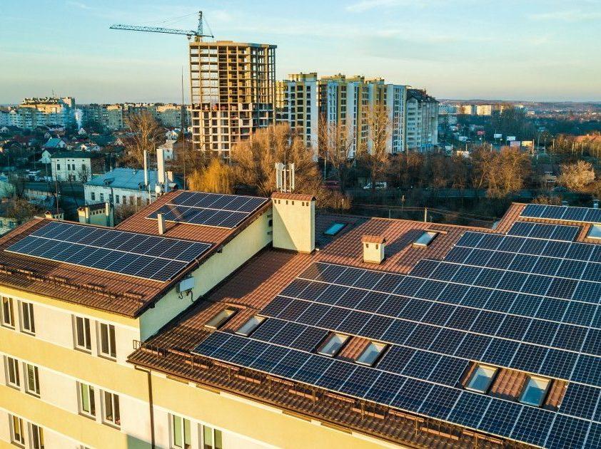 Saulės elektrinės verslui – ne tik ekologiškas, bet ir labai ekonomiškas sprendimas