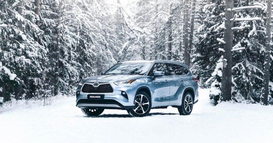 """Didžiausias """"Toyota"""" hibridinis visureigis """"Highlander"""" atvyko į Lietuvą"""