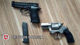 Ne kartą teistas klaipėdietis įtariamas disponavimu narkotinėmis medžiagomis bei šaunamaisiais ginklais