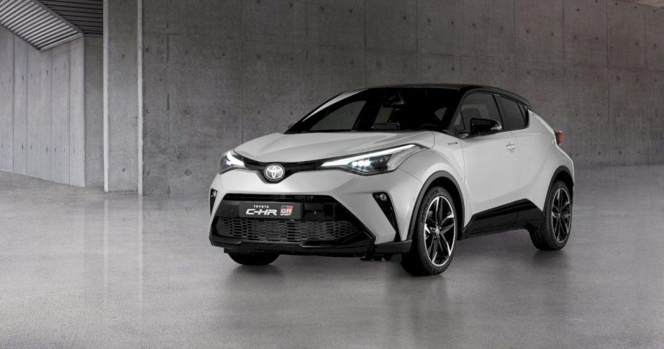 """""""Toyota"""" pristatė sportiškiausią C-HR krosoverio versiją """"GR Sport"""""""