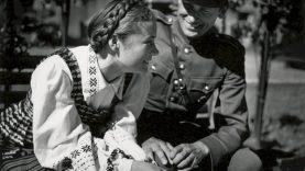 """Tarpukario Lietuvos fotografijų paroda ir """"Trispalvės istorijos"""" pristatomos virtualiai"""