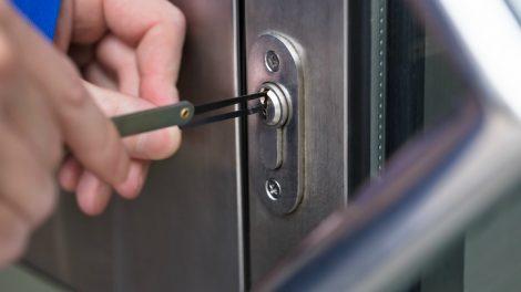 5 situacijos, kuomet laikas keisti namų durų spyną