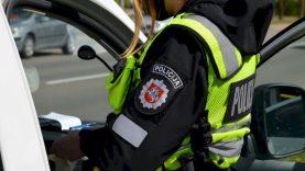 Vaiko priežiūros atostogose buvęs patrulis pamiršo, ką įpareigoja policijos pareigūno vardas