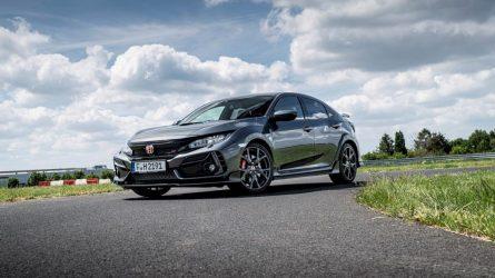 """Atsisveikinimas su legenda: parduodami paskutiniai  """"Honda Civic Type R"""" automobiliai"""