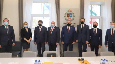Šiaulių regionui reikia naujo futbolo-regbio maniežo