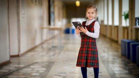 Į klases grįžta pradinių klasių mokiniai, leidžiamos kontaktinės konsultacijos nedidelėms abiturientų grupėms