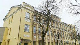 Renovuotas Šiaulių daugiabutis mena šimtametę istoriją