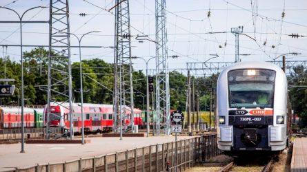 Kartu su pavasariu grįžta traukiniai: pradedamas reisų atstatymas