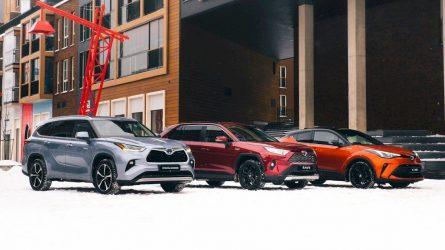 """Kas antras Baltijos šalyse parduotas """"Toyota"""" automobilis – hibridinis"""
