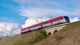 Priminimas keliaujantiems traukiniais – galimos tik būtinosios kelionės, numatomos patikros