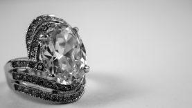 Kokiais atvejais sidabriniai papuošalai yra geriausias pasirinkimas?