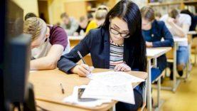 Karantino pakeitimai: nuo gegužės 3 d. į mokyklas galės grįžti abiturientai