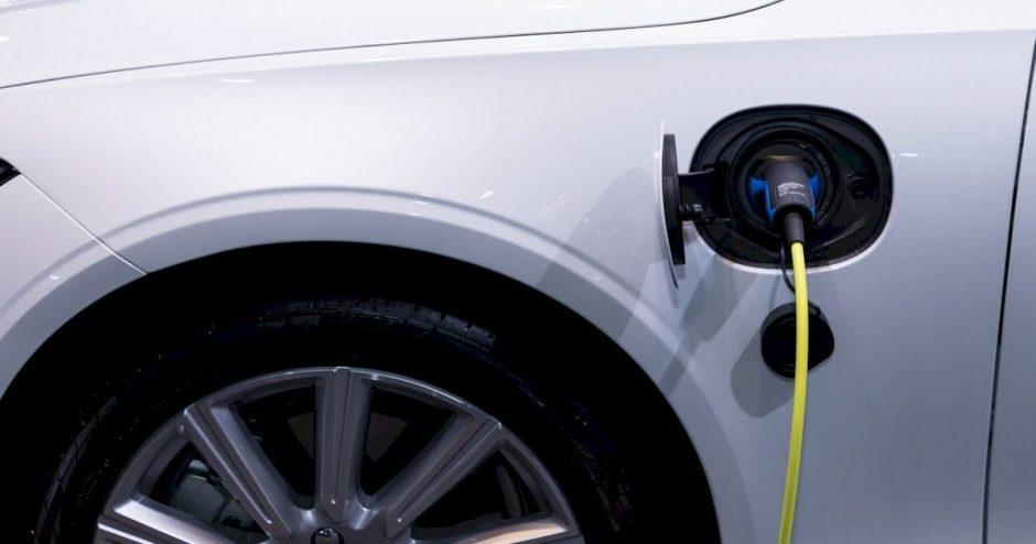 Tai, ko dar nežinojote – 5 įdomūs faktai apie elektromobilius