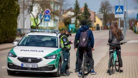 Visoje Klaipėdos apskrityje – sustiprintas policijos pareigūnų dėmesys eismo dviračiais ir paspirtukais saugumui