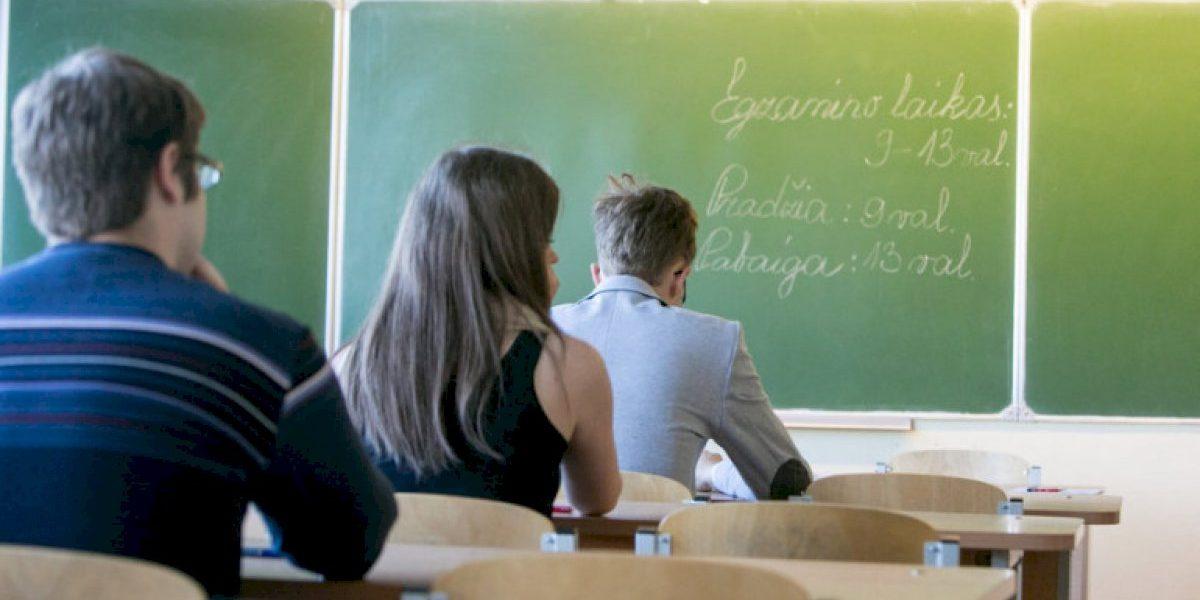 Į klases sugrįžo ne visi abiturientai