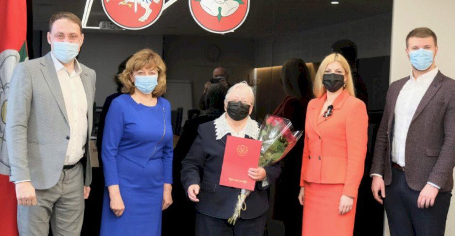 Jubiliejaus proga pasveikinta Lietuvos kario savanorio A. Sakalausko mama