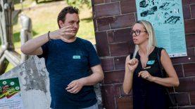 Lietuvių gestų kalba bus žymima vieningu grafiniu ženklu
