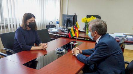 Finansų ministrės ir Ispanijos ambasadoriaus susitikime – dar glaudesnio dvišalio bendradarbiavimo vizija