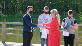 Sveikinimai Alytaus jaunųjų chemikų mokyklą baigusiems abiturientams