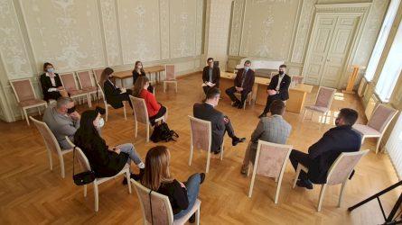 """S. Kairys Baltarusijos žurnalistams: """"Kultūros ministerijos durys jums visuomet atviros"""""""