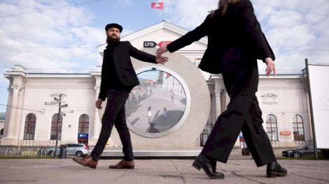 """Žinia apie Vilniuje sukurtą """"Portalą"""" apskriejo pasaulį: lygina su mokslinės fantastikos kūriniais"""