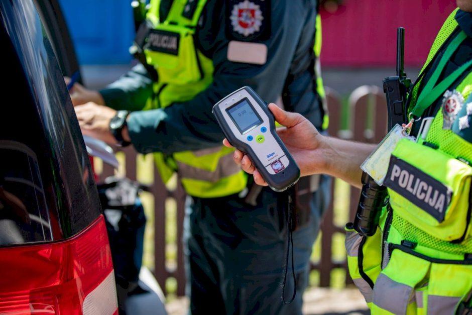 Plungės rajone policijos pareigūnai vykdė sustiprintą vairuotojų blaivumo kontrolę