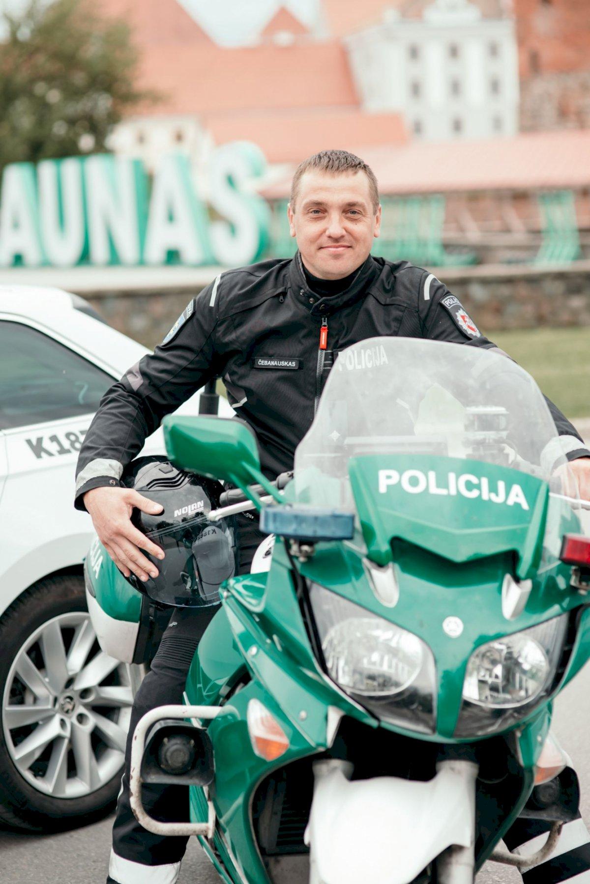 isibegejes-motociklu-sezonas-–-issukis-ir-policijos-pareigunams
