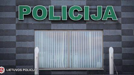 Policijos pareigūnams įkliuvo vogtą automobilį vairavęs neblaivus ir beteisis vairuotojas
